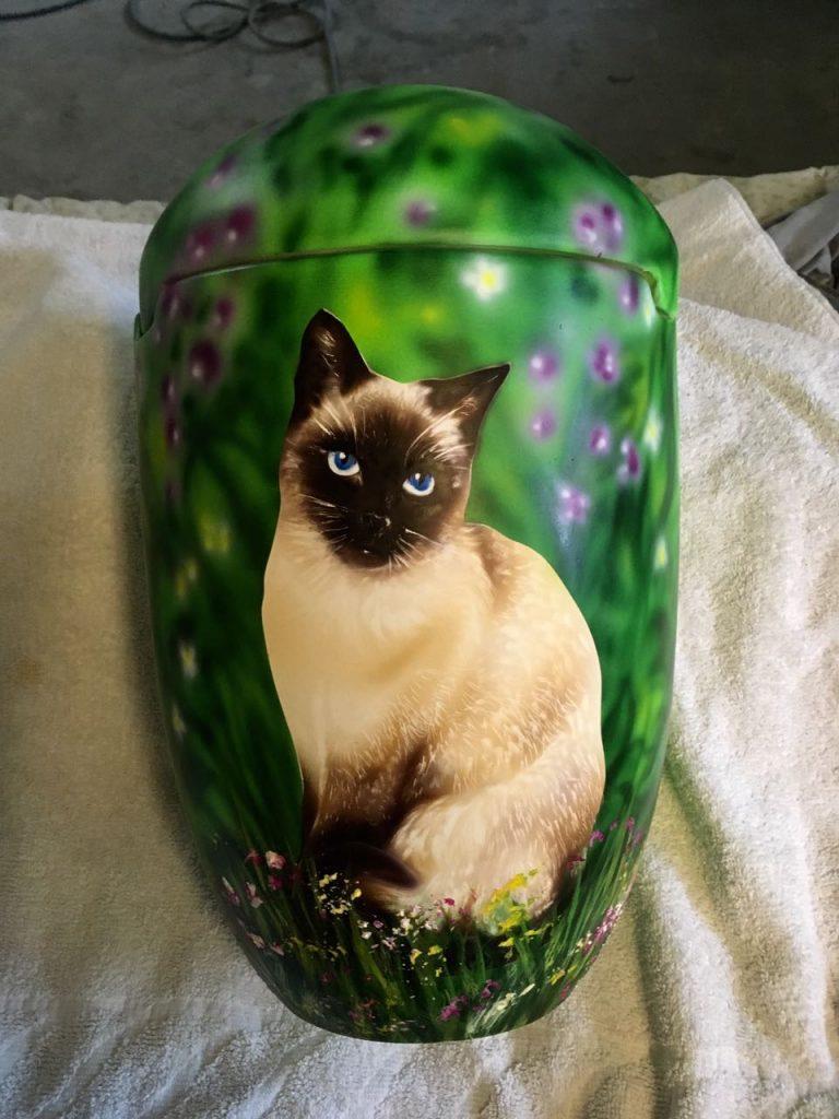 Tierurne Katze